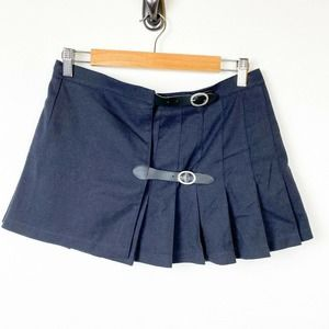 Brandy Melville Pleated Mini Dana Buckle Skirt